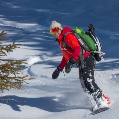 Hors-piste en snowboard